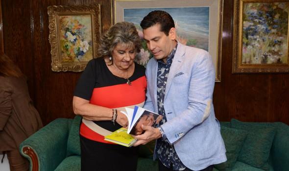 Conductor de CNN, Ismael Cala visitó a alcaldesa Virginia Reginato