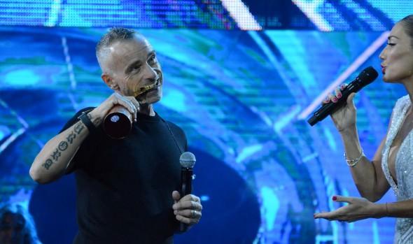 Tradicionales baladas hicieron vibrar a la Quinta en segunda jornada de Viña 2016