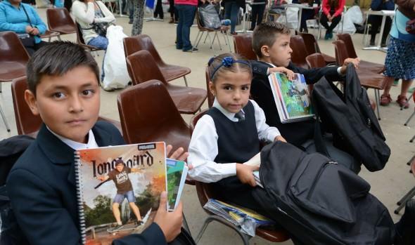Municipio de Viña del Mar entregó útiles escolares a estudiantes vulnerables de la comuna