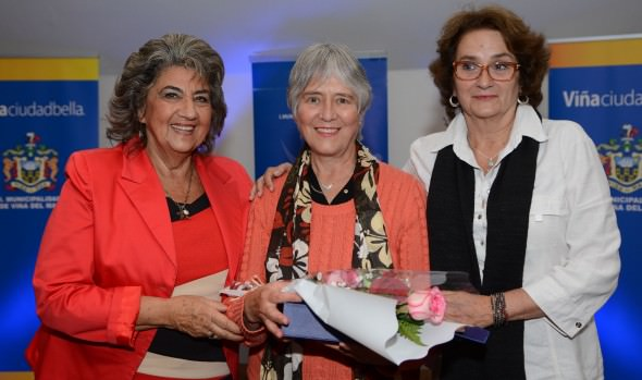 Municipio de Viña del Mar reconoció a 10 destacadas mujeres de la comuna