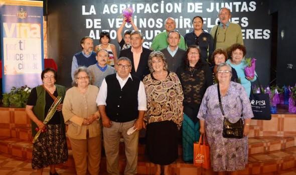 Sector de Miraflores Alto conmemoró el Día Internacional de la Mujer, em que se  distinguió a alcaldesa Virginia Reginato