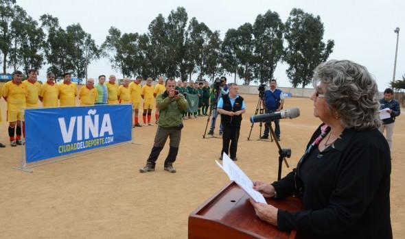 Campeonato de fútbol de FFAA y  Carabineros en retiro fue inaugurado por alcaldesa Virginia Reginato