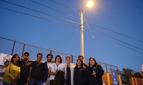 Con inauguración de luminarias vecinos de Achupallas comienzan a consolidar nuevos proyectos sociales