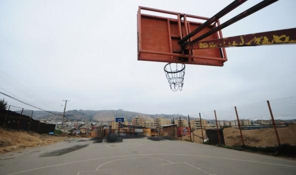 Vecinos de Reñaca Alto contarán con nueva multicancha para actividades deportivas.