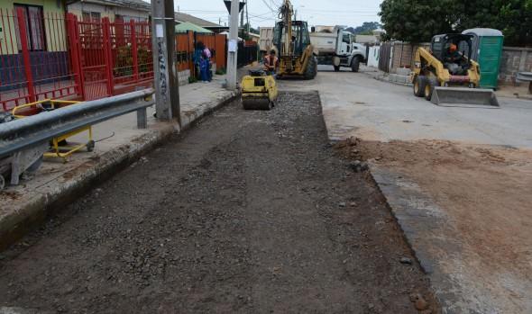 Municipio de Viña del Mar invierte $161 millones para reparar calzada y aceras en Santa Julia
