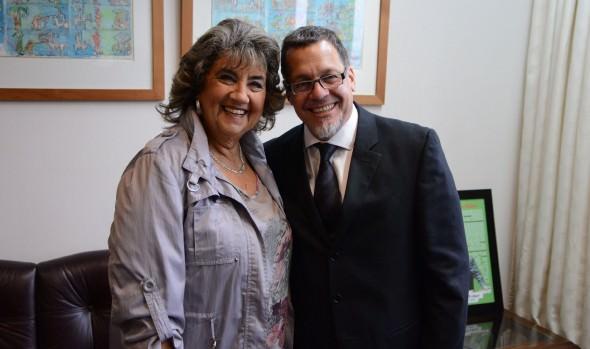 Alcaldesa Virginia Reginato deseó éxito a senador Lagos Weber en su labor como  presidente de la Cámara Alta