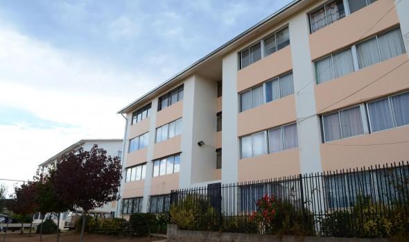 Vecinos del condominio social Los Zargazos de Miraflores Alto recibieron mejoras de viviendas de parte del MINVU y alcaldesa Virginia Reginato
