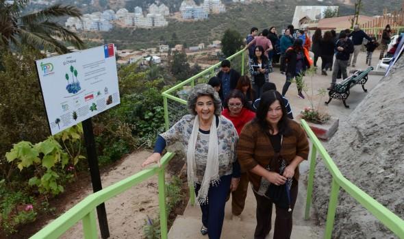 Área verde abandonada, que se transformó en mirador en Forestal  fue visitada por alcaldesa Virginia Reginato