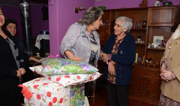 Beneficiaria del Programa Vínculos 2016 recibió ayuda social de parte de la alcaldesa Virginia Reginato
