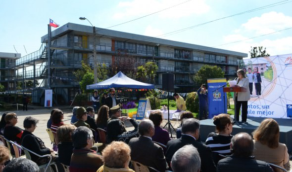 Obras de mejoramiento de condominio social  fueron entregadas por el MINVU y  alcaldesa Virginia Reginato
