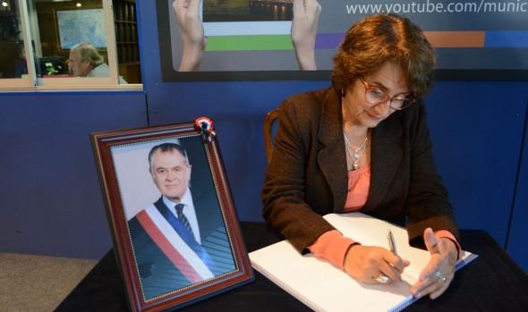 Municipio de Viña del Mar dispone libro de condolencias por fallecimiento del ex Presidente Patricio Aylwin