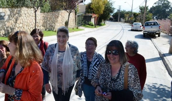Importante vía estructurante de Viña del Mar entregó a la comunidad la alcaldesa Virginia Reginato