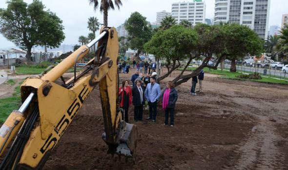 Obras de construcción  de plaza de artesanos en parque San Martín dio inicio alcaldesa Virginia Reginato