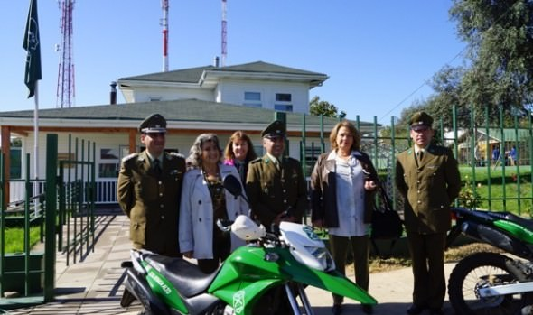 Comunidad de Reñaca Alto celebró el 89º aniversario de carabineros en desfile encabezado por alcaldesa Virginia Reginato
