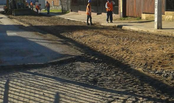 Municipio de Viña del Mar inició obras de recarpeteo en Calle Uno de Villa Dulce