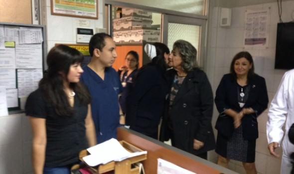 Con visita a trabajadores hospitalizados alcaldesa Virginia Reginato conmemoró Día del trabajador en Viña del Mar