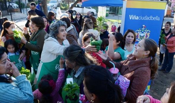 Máquinas de ejercicios entregó alcaldesa Virginia Reginato en   recuperado espacio público en Santa Julia
