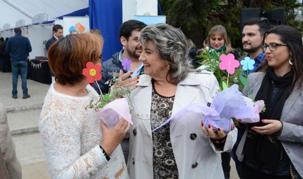 Con intervención urbana, mamás viñamarinas recibieron cariñoso saludo de alcaldesa Virginia Reginato