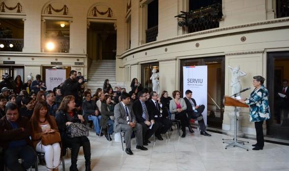 Familias viñamarinas reciben de alcaldesa Virginia Reginato y MINVU, su  subsidio  de arriendo