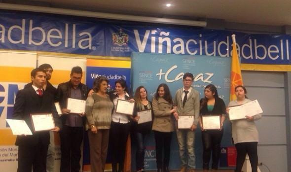 Viñamarinos reciben certificados de capacitación de cursos adjudicados por la Corporación Municipal de Viña del Mar