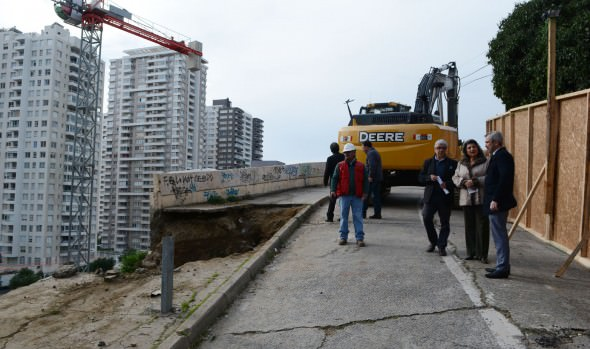 Subida Mackena tendrá reparación definitiva informó alcaldesa Virginia Reginato y el MOP
