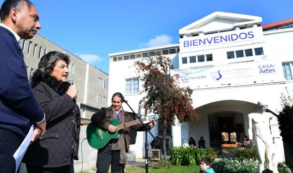Exponentes de talleres musicales de la Casa de la Artes presentaron sus talentos a alcaldesa Virginia Reginato