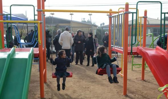 Municipio de Viña del Mar  convierte basural en área verde y plaza con juegos infantiles