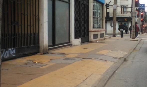 Municipio de Viña del Mar repondrá aceras de calle Ecuador