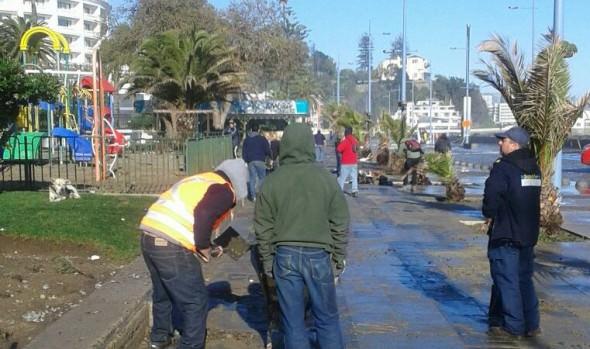 Municipio de Viña del Mar evalúa daños por marejadas en borde costero