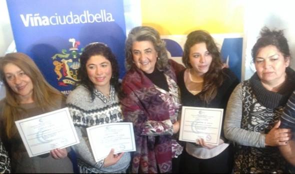 90 trabajadores de la educación municipalizada de Viña del Mar recibieron certificaciones de capacitación