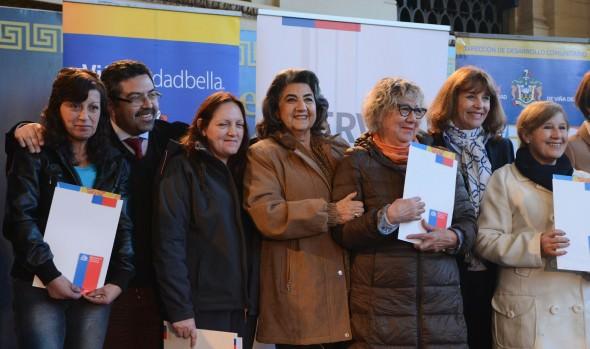 Serviu y Municipio de Viña del Mar entregan subsidios de arriendo a 35 familias