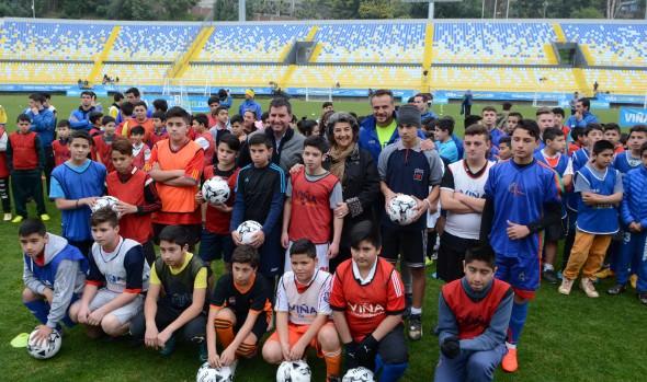 Más de 200 niños amantes del fútbol participaron en  5ª fecha de Encuentros pre deportivos de Viña del Mar