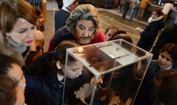 Hall de la Municipalidad de Viña del Mar  abre sus puertas al arte con muestra de cerámica