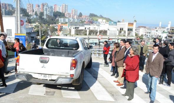 Apertura de nueva vialidad que permitirá descongestionar  transitado sector de Reñaca encabezó alcaldesa Virginia Reginato