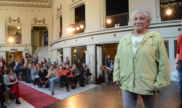 Candidatas del concurso de la Reina del Adulto Mayor derrocharon alegría en desfile de modas