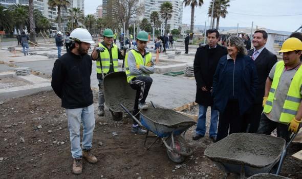 Instalación de módulos para Plaza de los Artesanos  inspeccionó alcaldesa Virginia Reginato