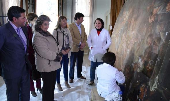 Restauración de pinturas  de 4 siglos de antigüedad del Palacio Vergara fueron inspeccionados por alcaldesa Virginia Reginato