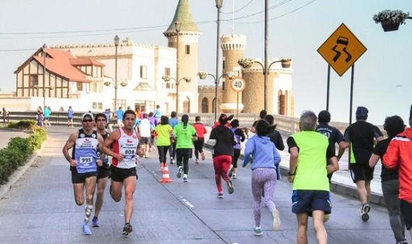 """Más de 500 participantes tuvo 4a fecha de  corridas familiares """"Corre por tu salud"""" en  Viña del Mar"""