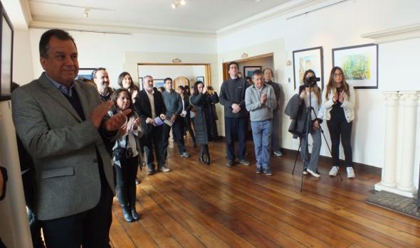 """Municipio de Viña del Mar reabre sala de exposiciones del Castillo Wulff con muestra de acuarelas """"Alla Prima"""""""