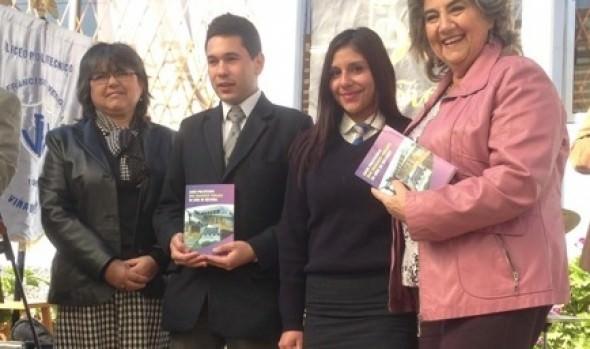 Con libro rinden homenaje al Liceo politécnico José Francisco Vergara de Gómez Carreño, próximo  a cumplir 50 años