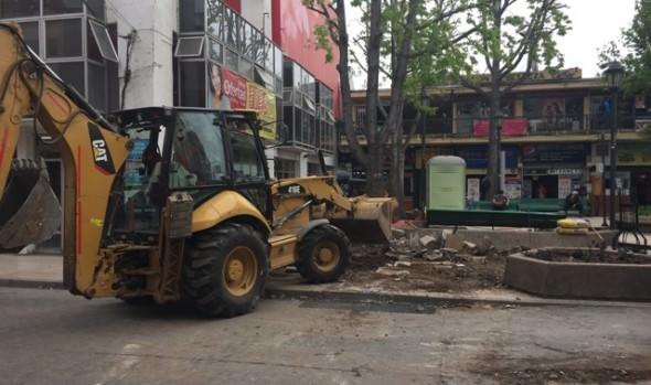 Municipio de Viña del Mar mejora vereda de plazoleta Villanelo