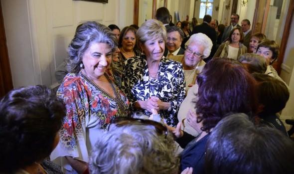 """ALCALDESA VIRGINA REGINATO RECIBE PREMIO A LA TRAYECTORIA """"ENRIQUE SILVA CIMMA 2016"""""""