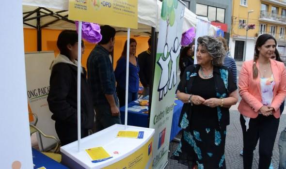 Muestra e intervención urbana sensibilizó a la comunidad sobre prevención de la violencia contra la mujer en Viña del Mar