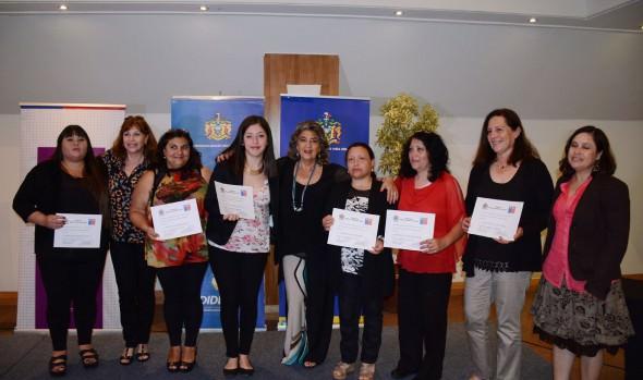 Mujeres jefas de hogar de Viña del Mar se capacitan para potenciar su inserción laboral