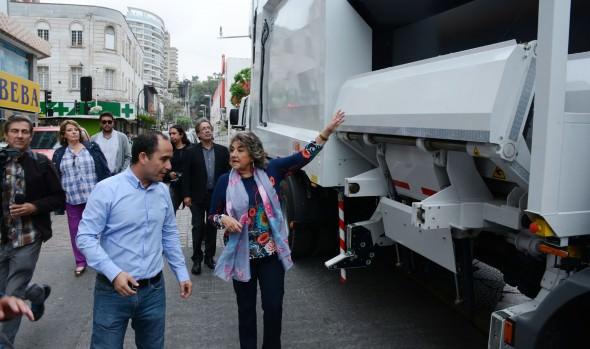 Municipio de Viña del Mar implementa teconología para retiro de chicles desde las veredas