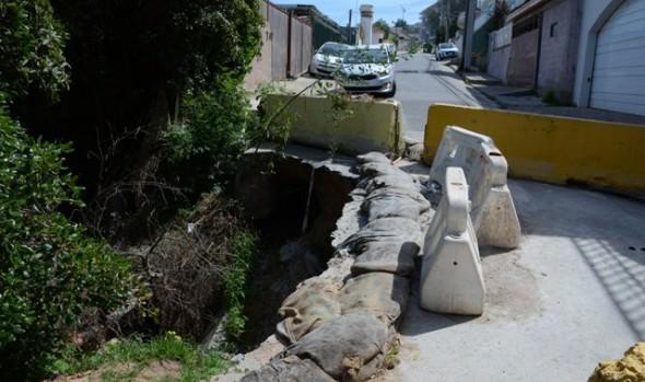 Municipio de Viña del Mar  inicia trabajos de reparación de socavón de calle Bellavista en Reñaca