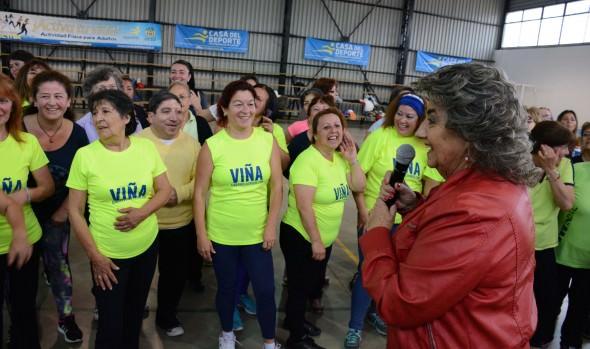 Adultos Mayores de Viña del Mar se preparan para el verano con entretenidas clases de actividad física