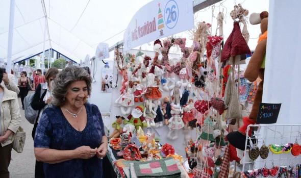Emprendedores locales ofrecen sus productos en Feria Navideña 2016 impulsada por el municipio de  Viña del Mar