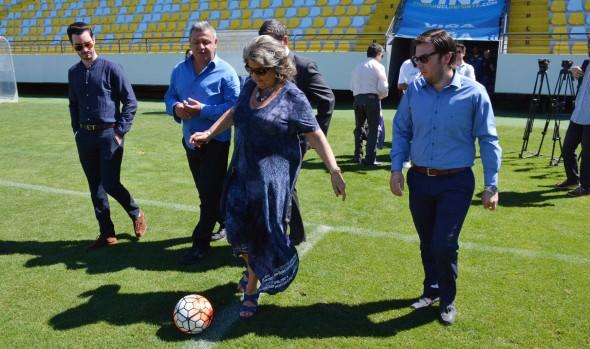 """Alcaldesa Virginia Reginato llamó a hinchas de Everton a apoyar a equipo en la final de """"Copa Chile"""""""