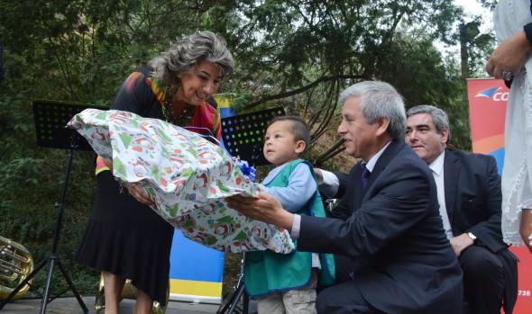 """En Viña del Mar, Correoschile cerró campaña regional de Navidad """"Entrega Esperanza"""""""